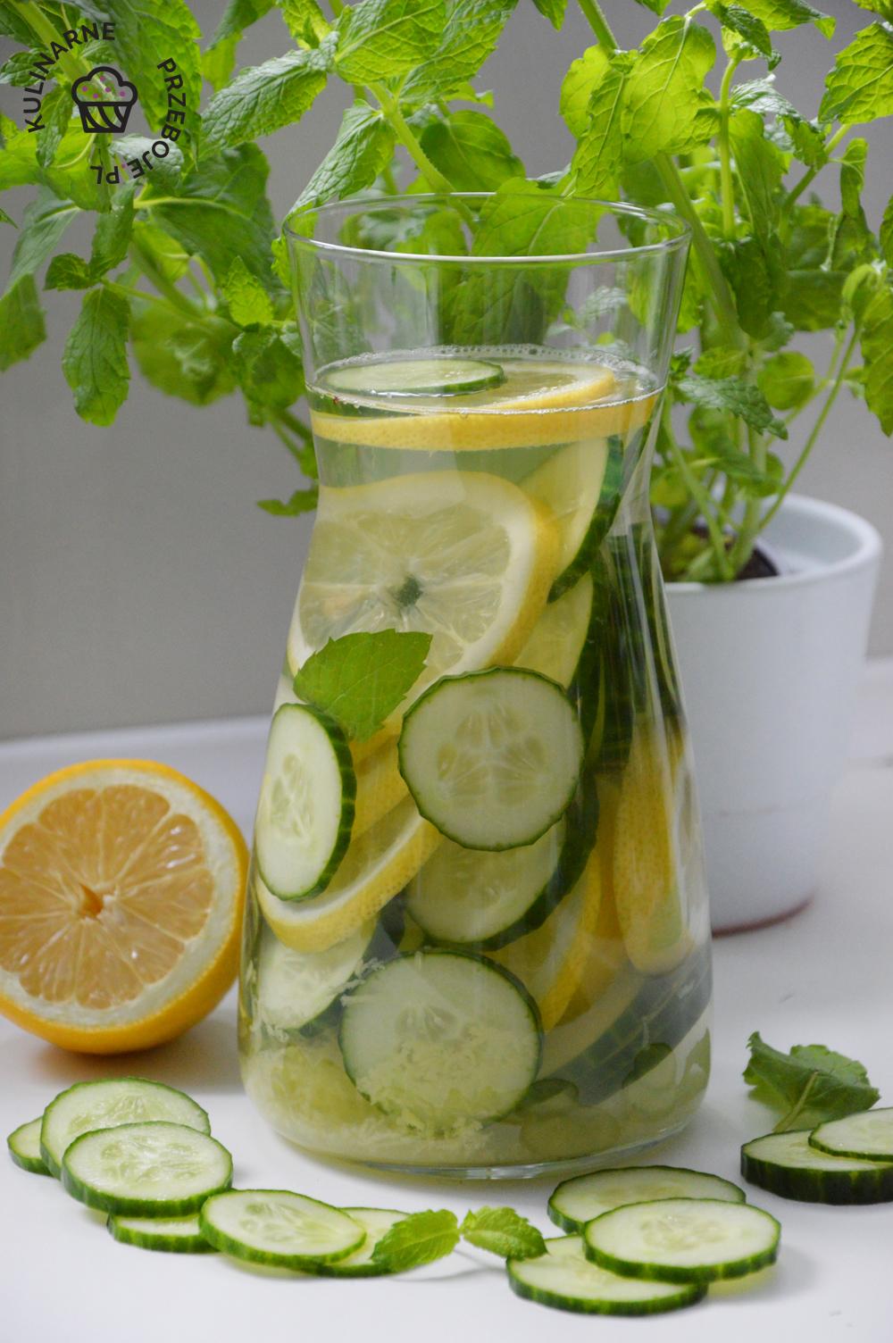sassy water przepis