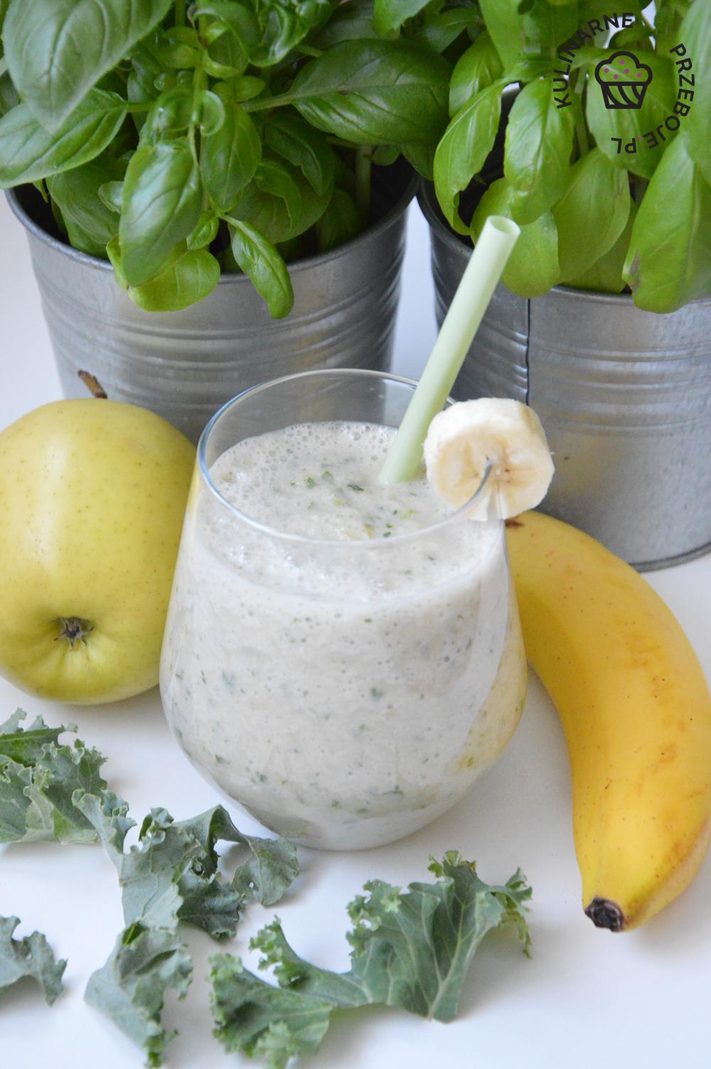 smoothie z jarmużu i banana