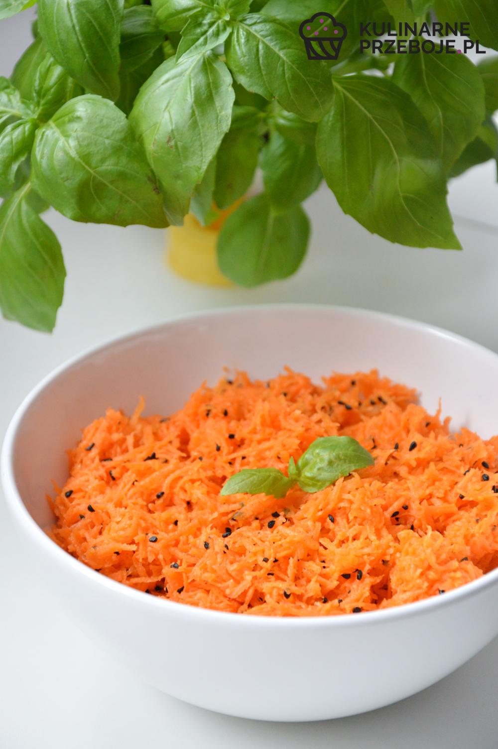 surówka do obiadu z marchewka