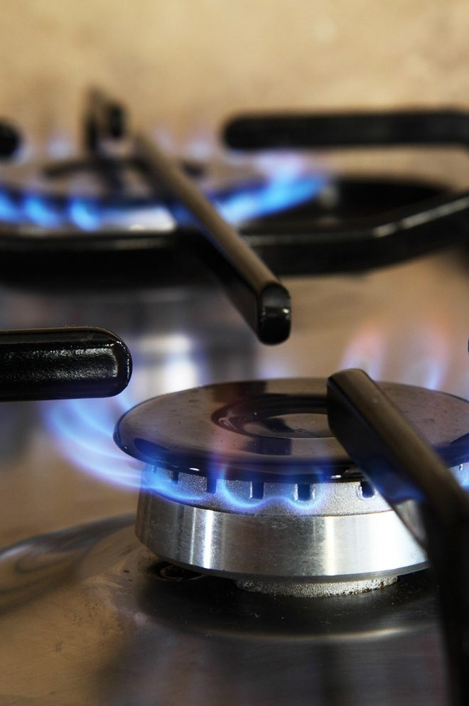 Czy przygotowywanie posiłków na gazówce różni się od indukcji?