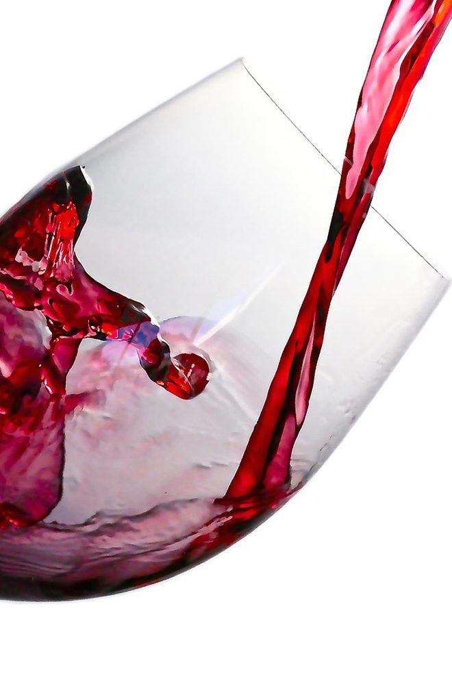 Kieliszek dobrego czerwonego wina
