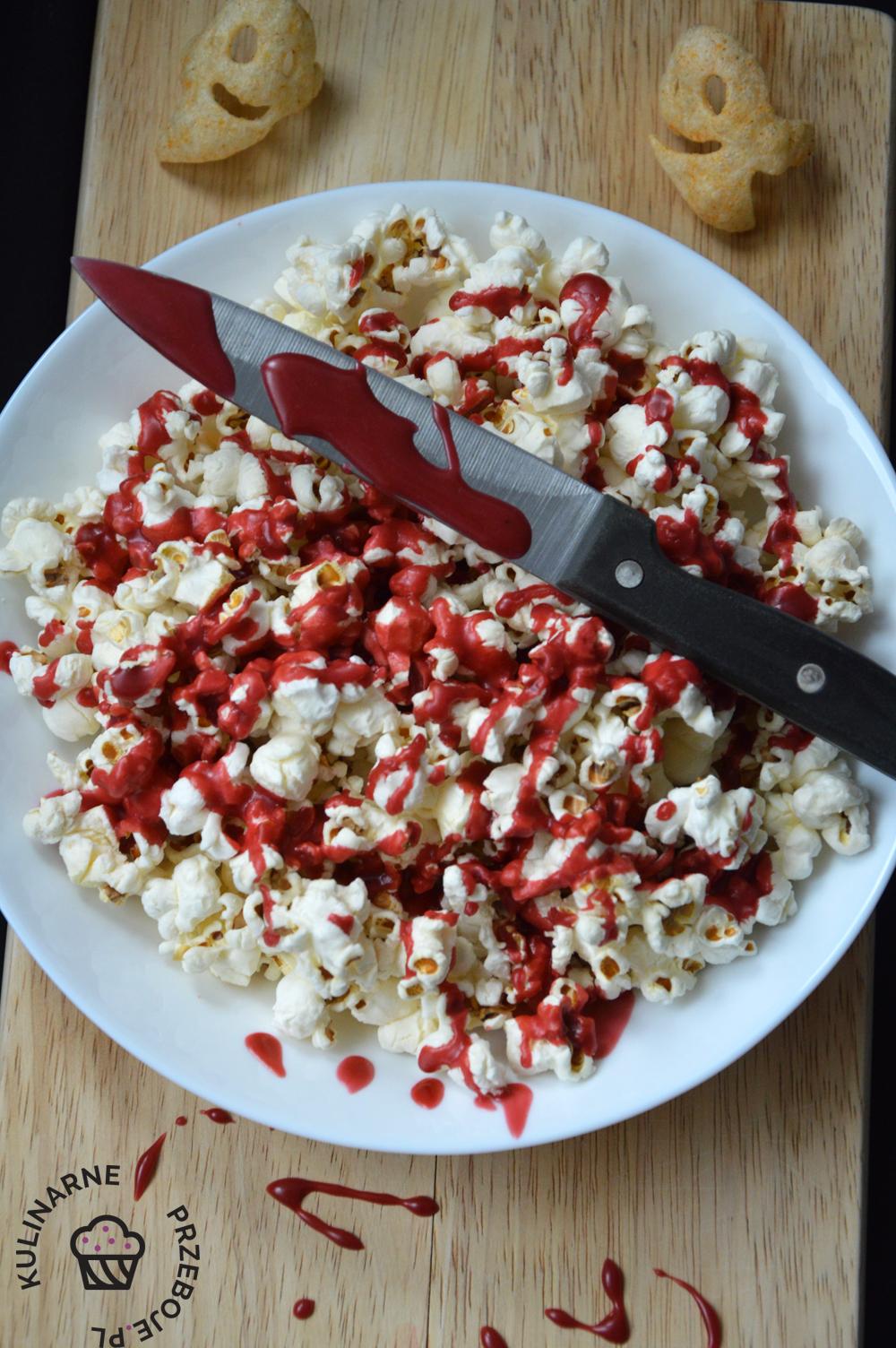 popcorn z krwawym lukrem