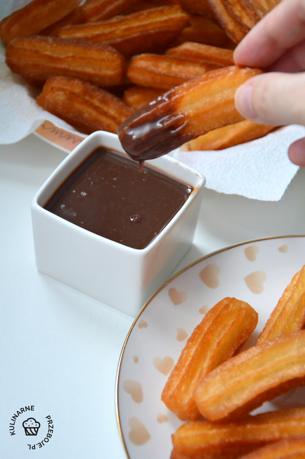 churros z sosem czekoladowym