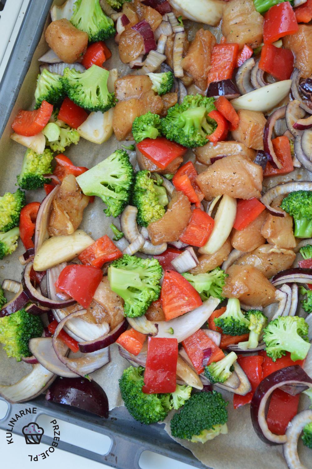 kurczak z warzywami z piekarnika