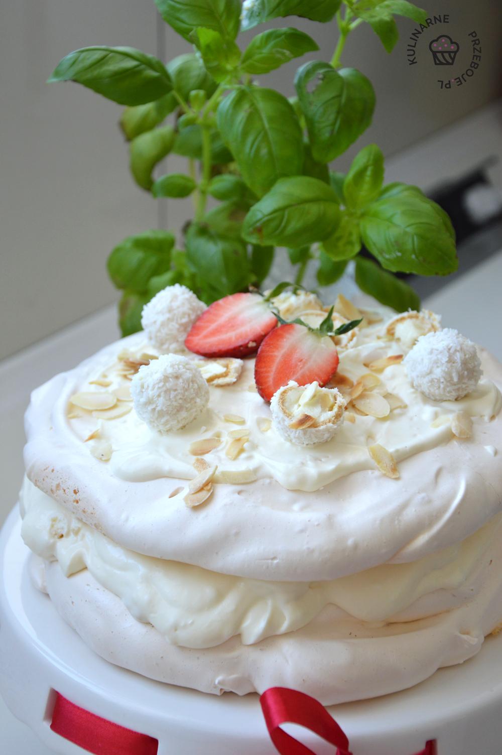 tort bezowy raffaello przepis