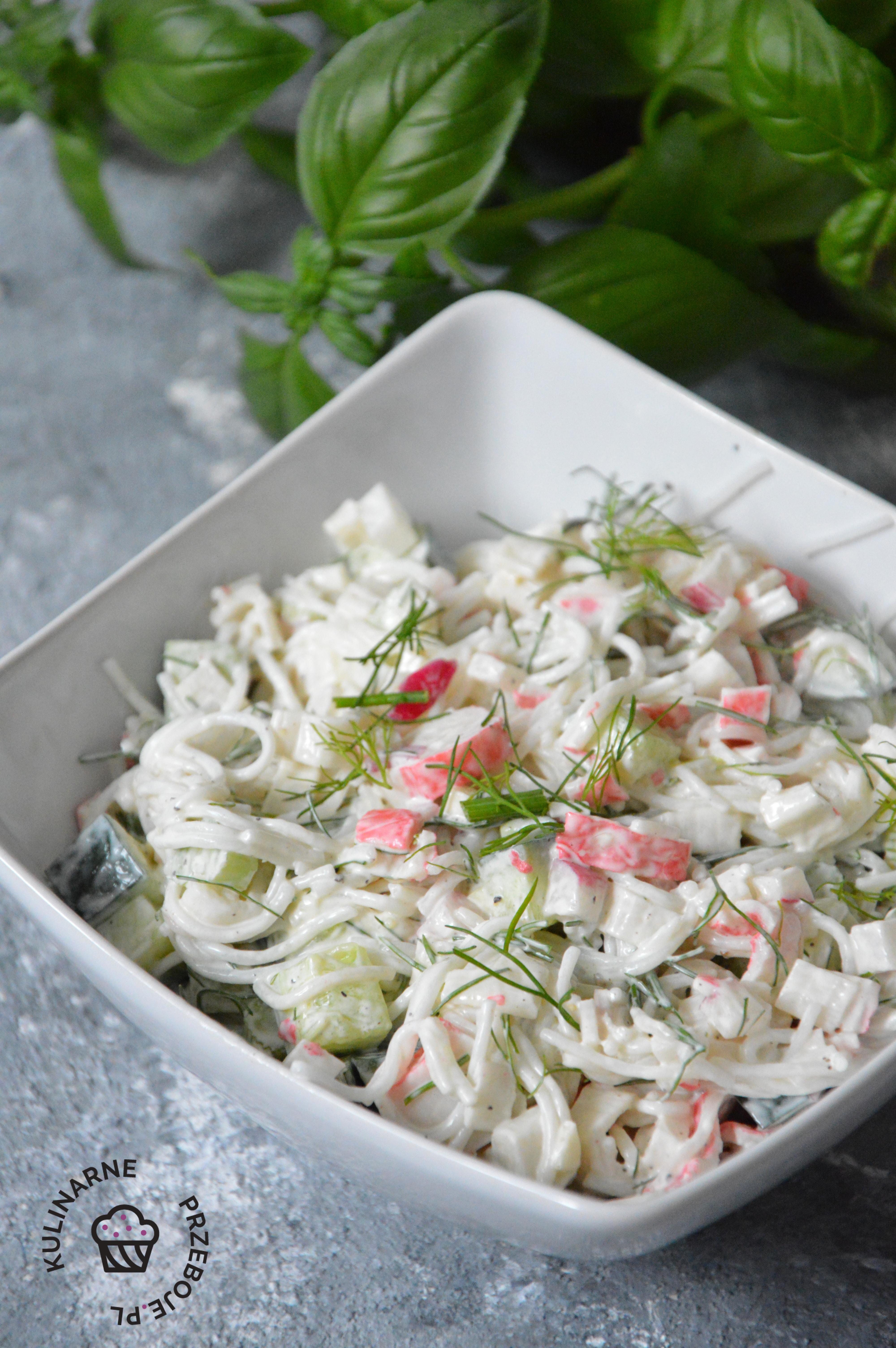 wiosenna sałatka z surimi przepis