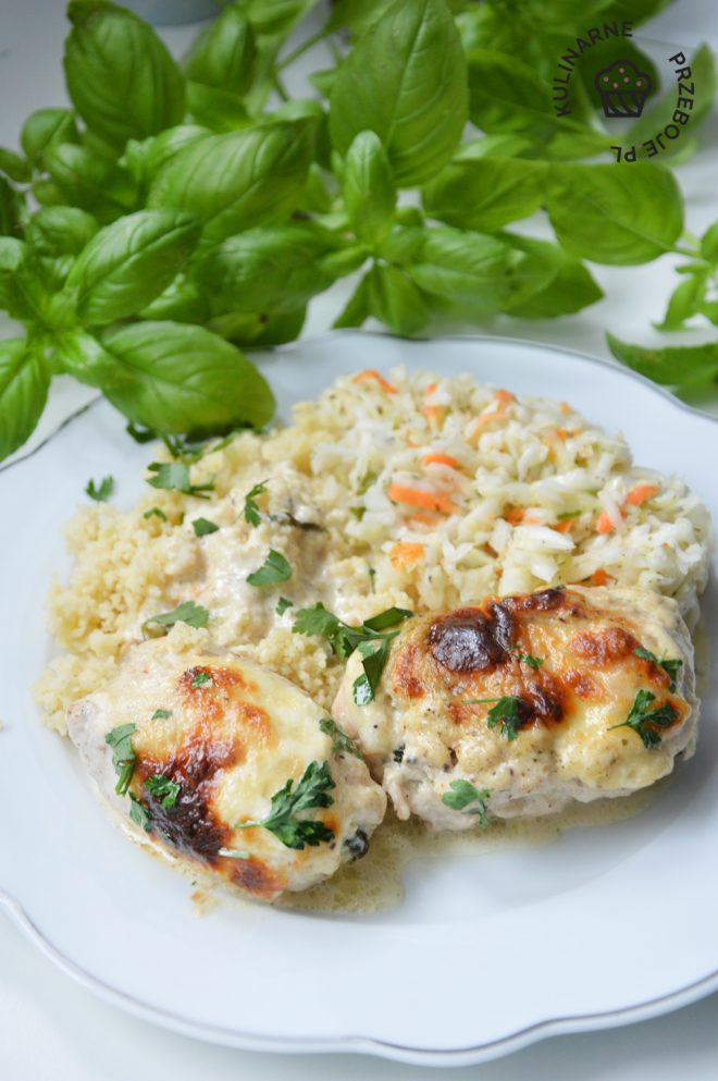 roladki z kurczaka ze szpinakiem w sosie serowym