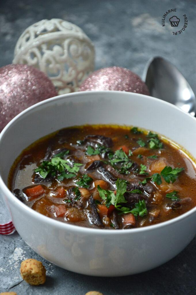 zupa grzybowa z suszonych grzybow przepis