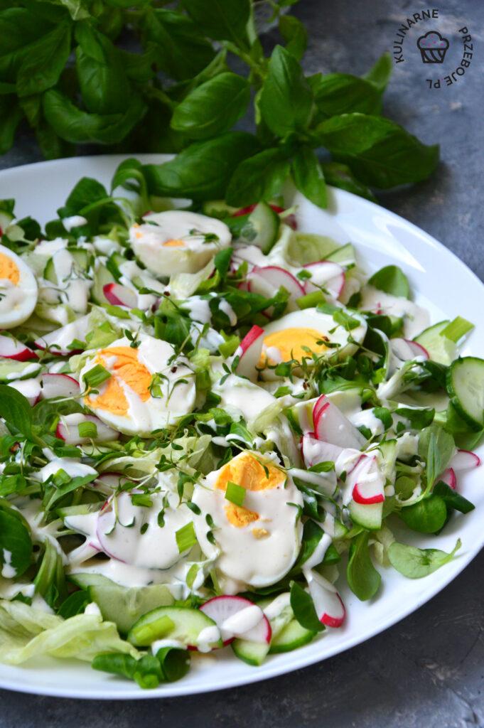 sałatka z jajkami