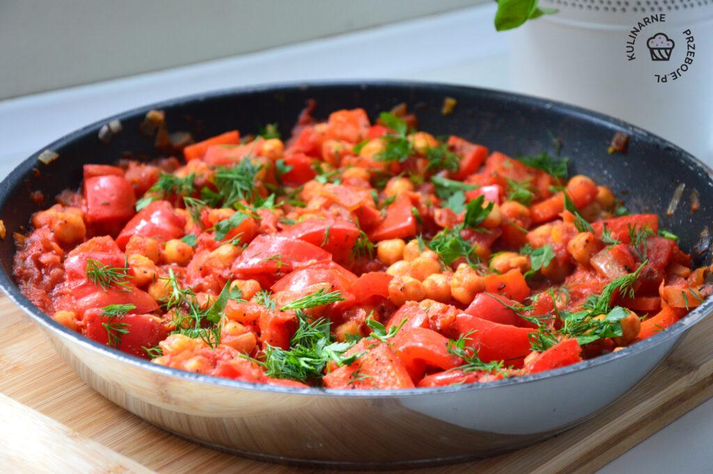 ciecierzyca w pomidorach przepis