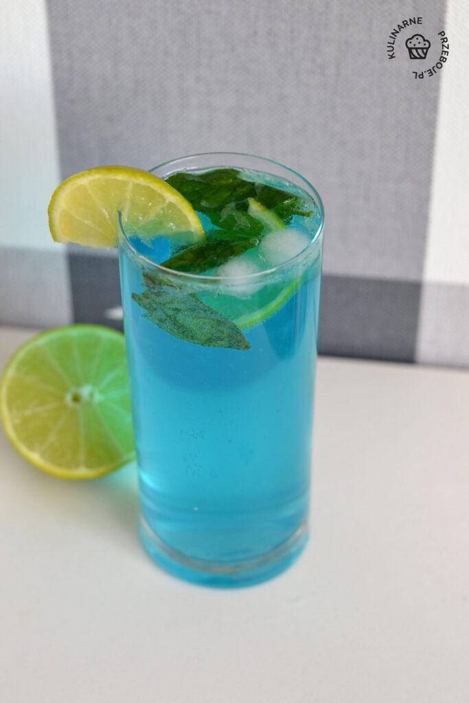drink blue mojito